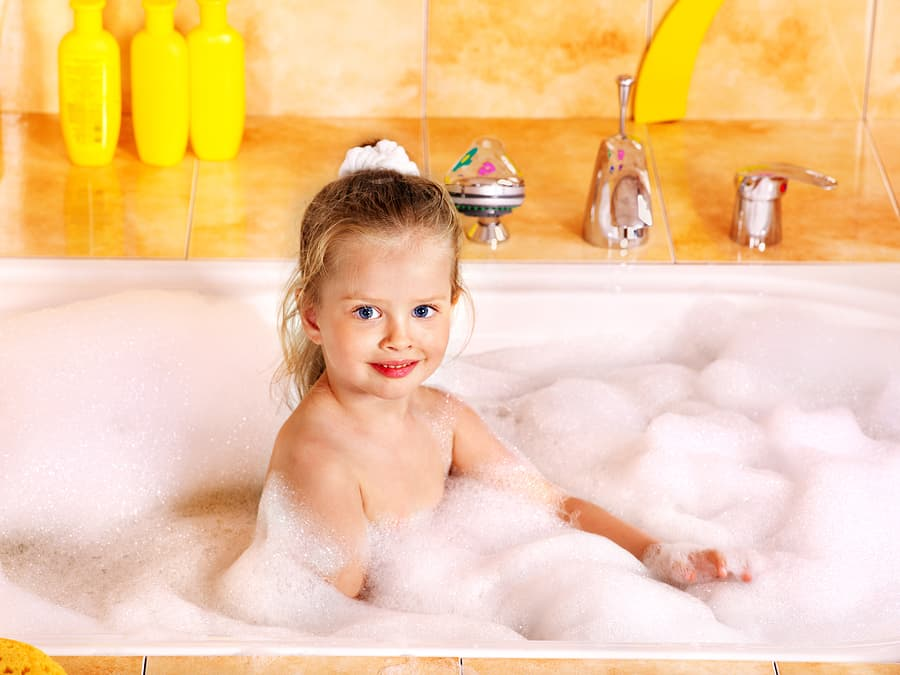 bigstock-Little-girl-washing-in-bubble-35527418